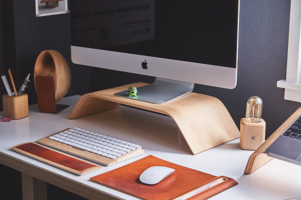 Five Tips to Declutter Your Desk for Success